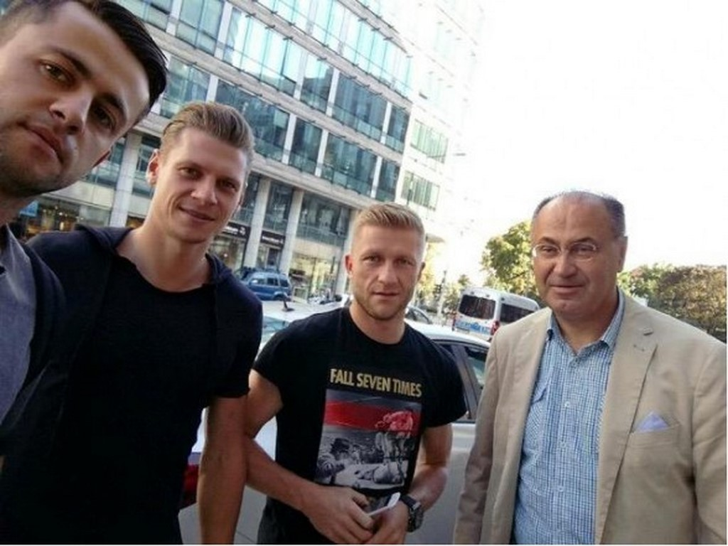 Manfred i piłkarze